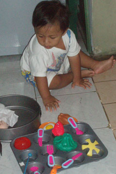 bebe-inspeksi-loyang-kakak1.jpg