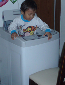 bebe-in-the-washing-machine1